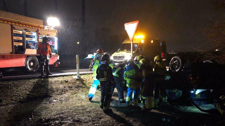 Herido grave un hombre tras salirse de la vía con su coche en Móstoles