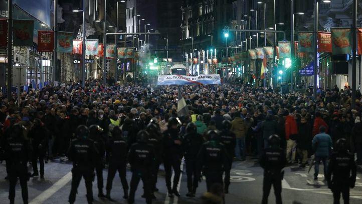Los taxistas alcanzan el 12º día de huelga con nuevas protestas en Sol y Gran Vía, en una foto de archivo.