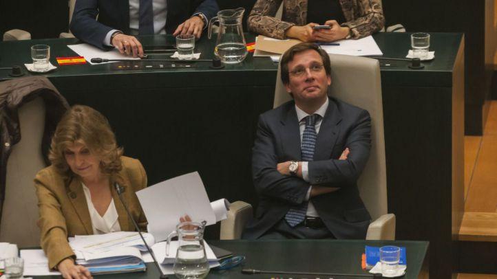 La marcha de Sabanés permite a Almeida aprobar sus primeros Presupuestos con la abstención de Vox