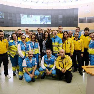 Ayuso visita el 112 para felicitar a los trabajadores