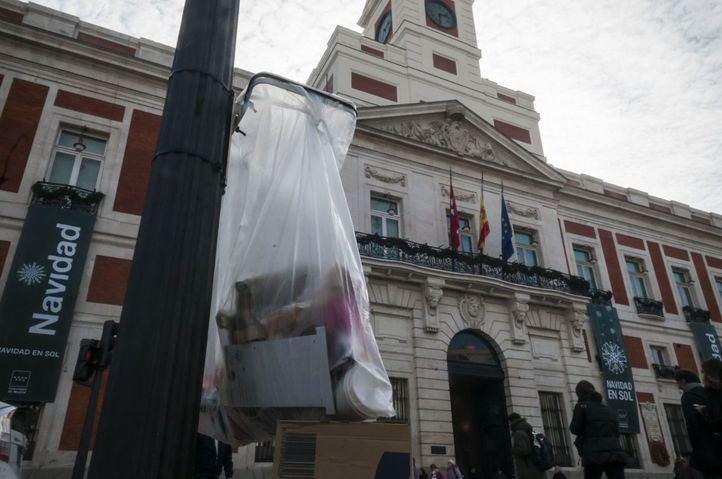 Madrid contará con 1.300 papeleras compactadoras inteligentes