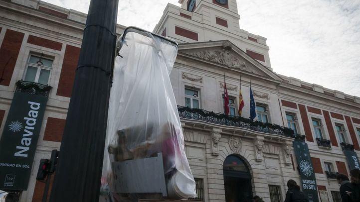 'Papeleras aro' instaladas en el centro durante las Navidades