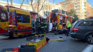 Un muerto y dos heridos por la colisión de una moto y un coche en Madrid