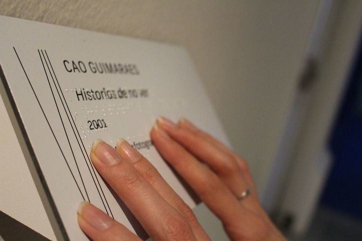La Comunidad firma una instrucción para garantizar la accesibilidad total a los actos y eventos