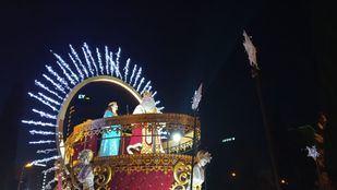 Más de 10 carrozas, muchos caramelos, magia e ilusión: arranca la Cabalgata de Reyes