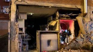 Una fuerte explosión en un local comercial deja cuatro heridos