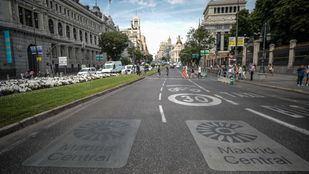 Señales de Madrid Central en la calle Alcalá.