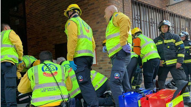 Fallece una mujer y dos personas resultan intoxicadas por un incendio en Retiro