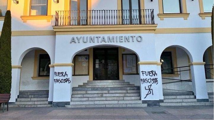 El Ayuntamiento de 'Sanse' amanece con pintadas: