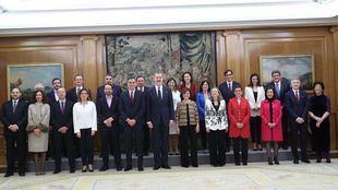 El nuevo equipo de Gobierno junto al Rey Felipe VI