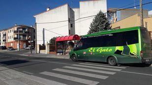 Autobús interurbano que cubre ruta entre Cadalso de los Vidrios y Madrid.
