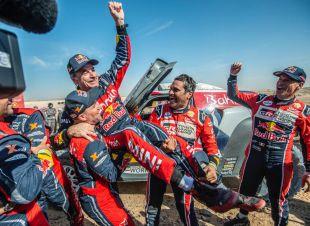El madrileño Carlos Sainz gana su tercer Dakar a los 57 años