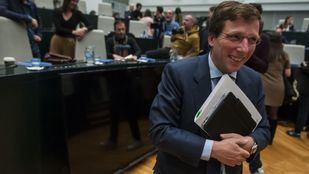 El alcalde de la capital, Martínez-Almeida, ante los micros de Onda Madrid