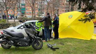 Personal de Samur-Protección Civil, en el lugar del accidente.