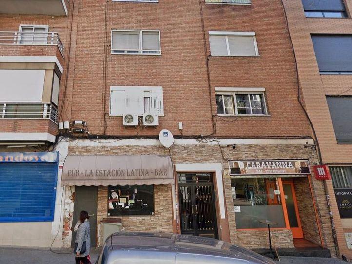 Edificio donde se encuentra el centro de masajes a domicilio, en la calle Gutiérrez de Cetina