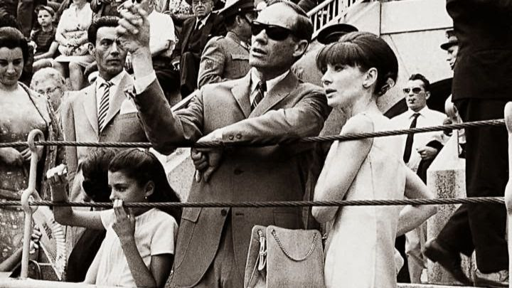 Audrey en Las Ventas con Mel Ferrer
