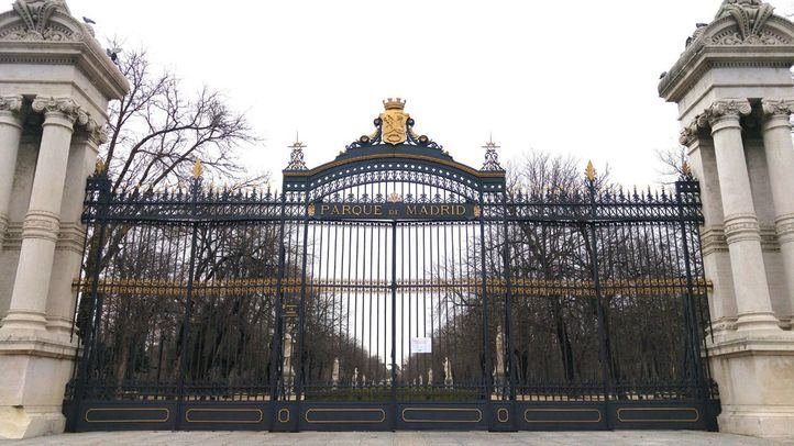 Puerta de entrada al parque de El Retiro.