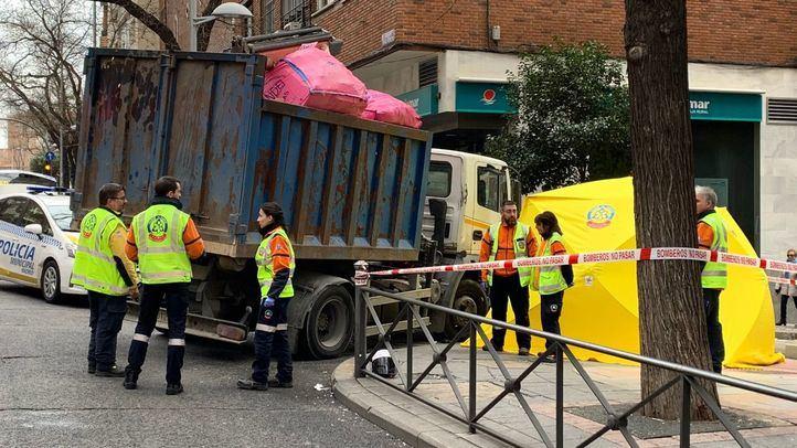 Varios equipos de Emergencias de Madrid en el lugar de la colisión