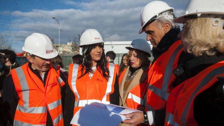 El Consistorio pagará el abono transporte a los refugiados que lo necesiten
