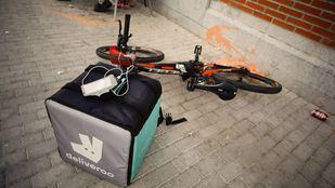 Bicicleta de un repartidor de Deliveroo.