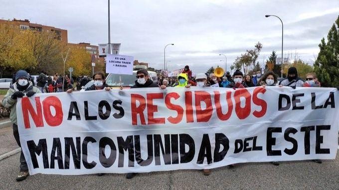 manifestación contra el vertido de más residuos en Valdemingómez.
