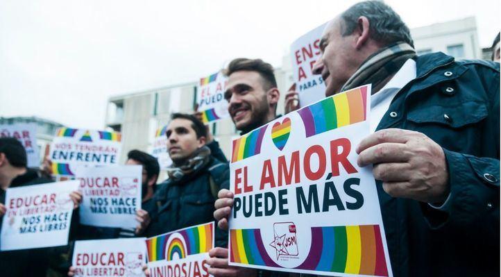 Cientos de personas protestan en Madrid contra el 'pin parental'