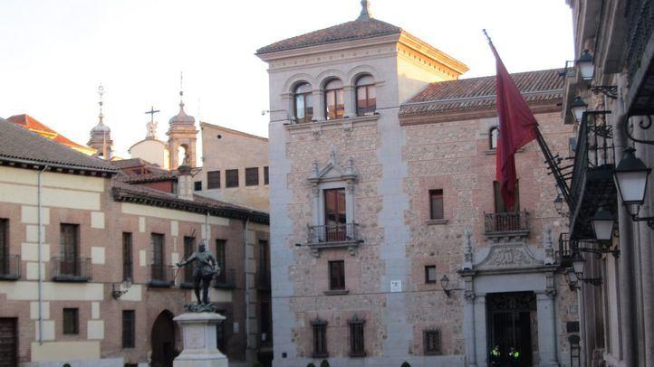El Ayuntamiento acometerá obras de urgencia en la Casa de Cisneros por peligro de desprendimientos