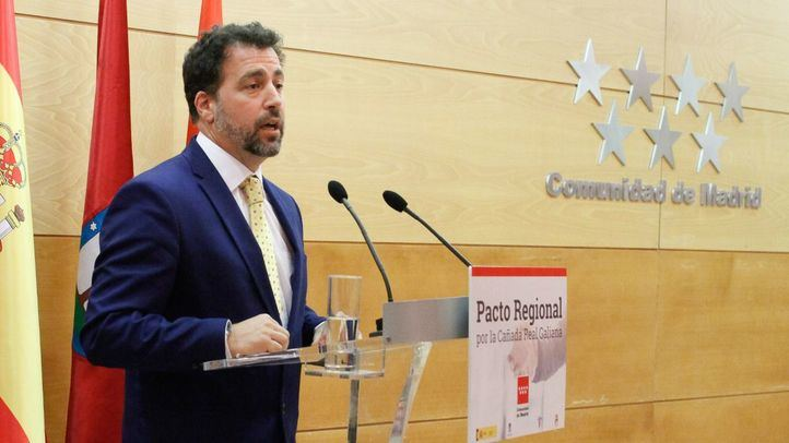 Pedro del Cura, alcalde de Rivas-Vaciamadrid, en el acto de firma del acuerdo por la Cañada Real Galiana.