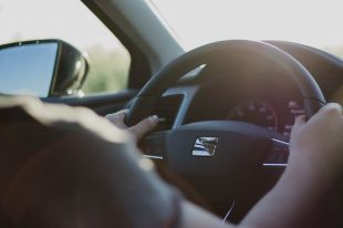 Qué suele cubrir un seguro básico de coche
