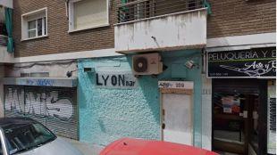 Detenido por acuchillar a dos personas en un bar de Ciudad Lineal