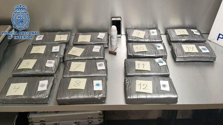 Interceptada una maleta con 17 kilos de cocaína en Barajas