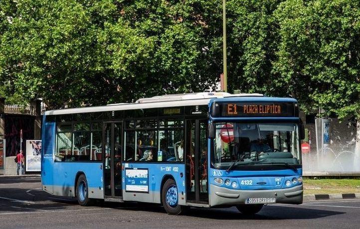 La campaña consistirá en la incorporación de carteles informativos en los autobuses, será puesta en marcha tras las reclamaciones de 250 usuarios.