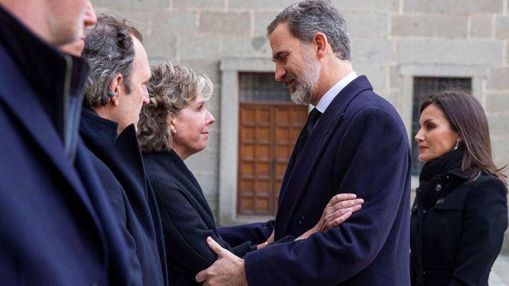 Los Reyes presiden el funeral de Pilar de Borbón en el Monasterio de El Escorial