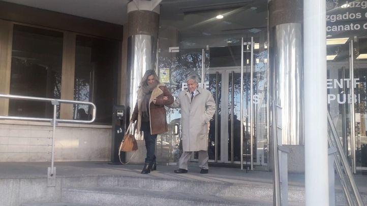 Vicente Moreda a la salida de los juzgados de Plaza de Castilla tras el juicio contra su nieta por okupar su casa en Madrid