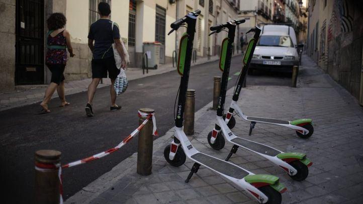 El Ayuntamiento aparcará los patinetes de Centro en la calzada