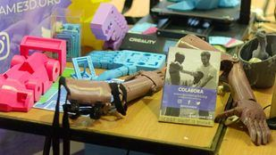 Voluntarios de la UAH fabrican prótesis para personas sin recursos