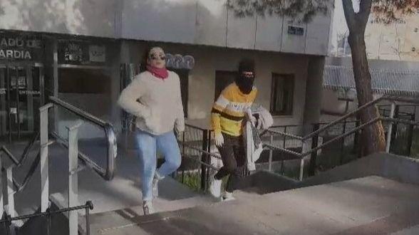La joven que okupó la casa de su abuelo retira la denuncia por coacciones