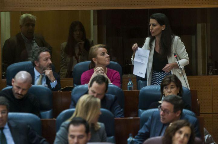 El 'pin parental' traslada el Día de la Marmota a la Asamblea de Madrid