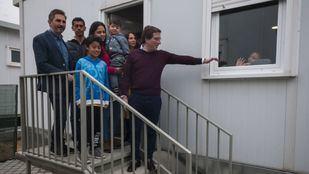 El alcalde de Madrid recibe a los primeros solicitantes de asilo
