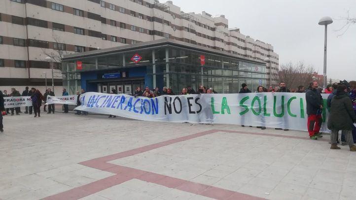 Los vecinos de Vallecas protagonizan una marcha por el cierre de Valdemingómez