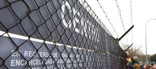 La Plataforma a favor del Memorial de la Cárcel de Carabanchel engrosa el memorial alternativo