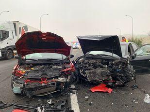 Imagen del accidente de tráfico en la M-45 que ha provocado el corte de tráfico durante esta mañana.