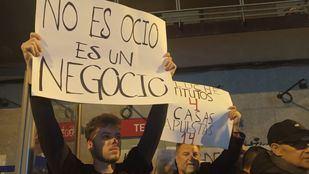 Aluche se levanta contra las casas de apuestas: 'Están contaminando el barrio'