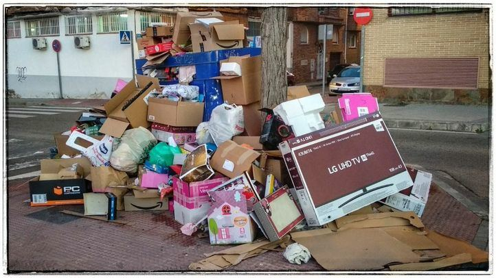 Un contenedor de cartón, en Leganés