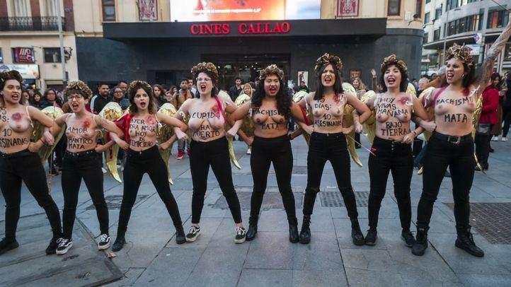 Femen protesta en Callao contra los feminicidios