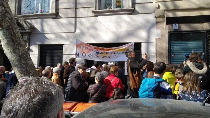 Los vecinos de Ibiza protestan por la apertura de una casa de apuestas cercana al centro de ludopatía del Gregorio Marañón