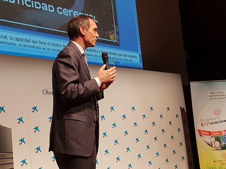 El secretario regional de ECM, José Antonio Poveda, presentó la Primera Jornada Internacional de Aprendizaje.