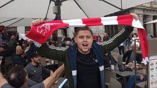 Los aficionados del Liverpool toman Madrid