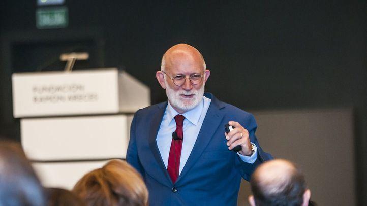 La Fundación Ramón Areces acoge una conferencia de Manuel Desantes sobre la era cognitiva