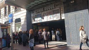 Cines Conde Duque en la calle Goya.